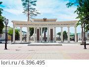 Оренбург. Памятник первому губернатору Неплюеву., фото № 6396495, снято 28 июня 2014 г. (c) Вадим Орлов / Фотобанк Лори