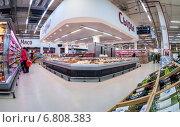 "Самара. Интерьер гипермаркета ""Карусель"", фото № 6808383, снято 17 декабря 2014 г. (c) FotograFF / Фотобанк Лори"