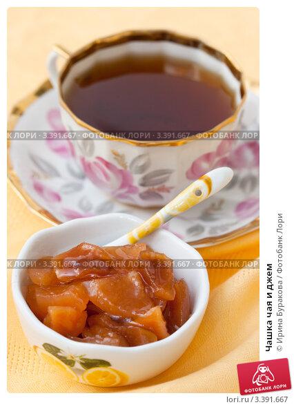 Чай с сахаром или же с вареньем