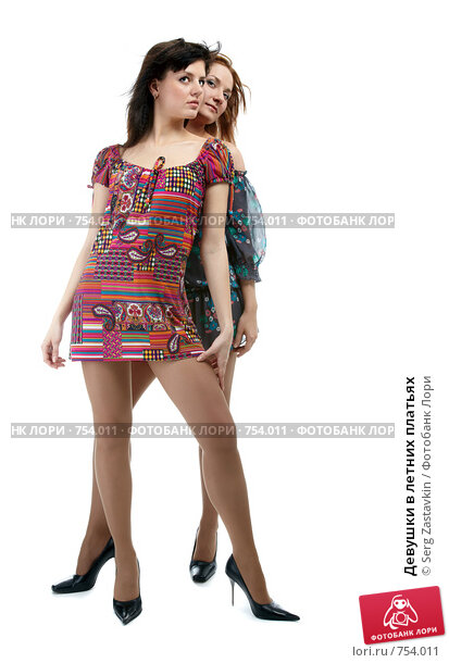 Фото девушек в летних платьях