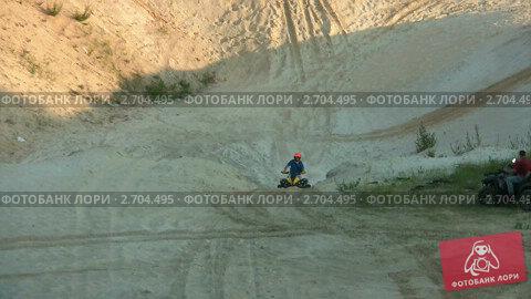 Езда на квадроцикле видеоролик 2704495