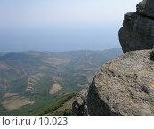 Купить «Вид на побережье с вершины горы Демерджи, АР Крым», фото № 10023, снято 13 сентября 2005 г. (c) Минакова Татьяна / Фотобанк Лори