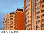 Купить «Жилой дом», фото № 12055, снято 5 июля 2006 г. (c) Юлия Перова / Фотобанк Лори