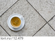 Купить «Чашка кофе на кафельном полу (вид сверху)», фото № 12479, снято 10 июня 2006 г. (c) Лисовская Наталья / Фотобанк Лори