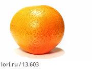 Купить «Грейпфрут на белом фоне», фото № 13603, снято 24 мая 2018 г. (c) Угоренков Александр / Фотобанк Лори