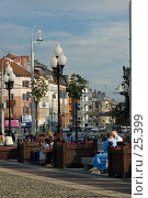 Купить «Площадь. Калининград. Люди отдыхают», фото № 25399, снято 15 августа 2006 г. (c) Дмитрий Доможиров / Фотобанк Лори