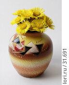 Купить «Букетик мать-и-мачехи в вазе», фото № 31691, снято 11 апреля 2007 г. (c) Андрей Ерофеев / Фотобанк Лори
