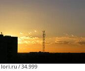 Купить «Солнце спряталось за здание», фото № 34999, снято 12 января 2005 г. (c) Андрей Яшин / Фотобанк Лори