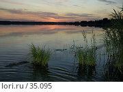 Купить «Закат на тихом озере», фото № 35095, снято 25 мая 2018 г. (c) Игорь Соколов / Фотобанк Лори