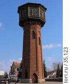 Купить «Водонапорная башня в центре г. Белорецк», фото № 35123, снято 7 мая 2006 г. (c) Талдыкин Юрий / Фотобанк Лори