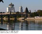 Купить «Псков, мост через реку Великую», фото № 39527, снято 16 сентября 2006 г. (c) A Челмодеев / Фотобанк Лори