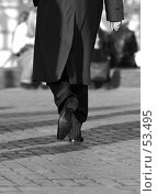 Купить «Мужчина идет по дороге, монохром», фото № 53495, снято 5 апреля 2006 г. (c) Морозова Татьяна / Фотобанк Лори