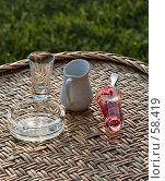 Купить «Плетёный столик с посудой», фото № 58419, снято 6 июня 2007 г. (c) Михаил Браво / Фотобанк Лори