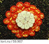 Купить «Красный перец, черный перец и чеснок», фото № 59907, снято 20 января 2006 г. (c) Михаил Малышев / Фотобанк Лори