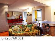 Купить «Интерьер. Гостиная, кухня», фото № 60031, снято 3 октября 2006 г. (c) Ирина Мойсеева / Фотобанк Лори