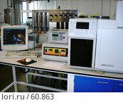 Купить «Современная химическая лаборатория; справа - газовый хроматограф Varian СР-3800», эксклюзивное фото № 60863, снято 14 августа 2006 г. (c) Татьяна Юни / Фотобанк Лори