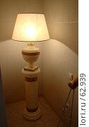 Купить «Горящая лампа на подставке в уголке», фото № 62939, снято 24 июня 2007 г. (c) Harry / Фотобанк Лори