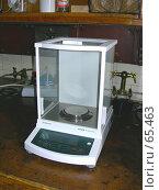 Купить «Химическая лаборатория: аналитические весы», фото № 65463, снято 26 июля 2007 г. (c) Татьяна Юни / Фотобанк Лори