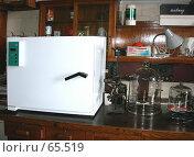 Купить «Химическая лаборатория: сушильный шкаф», фото № 65519, снято 26 июля 2007 г. (c) Татьяна Юни / Фотобанк Лори