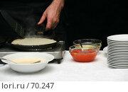 Купить «Блины с икрой», фото № 70247, снято 23 декабря 2006 г. (c) Морозова Татьяна / Фотобанк Лори
