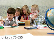 Купить «Ученики на уроке в школе», фото № 76055, снято 19 августа 2007 г. (c) Татьяна Белова / Фотобанк Лори