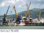 Купить «Порт в Новороссийске», фото № 76435, снято 14 августа 2004 г. (c) Морозова Татьяна / Фотобанк Лори