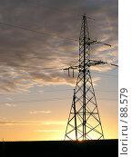 Купить «Опора ЛЭП на закате», фото № 88579, снято 10 января 2019 г. (c) Светлана Кучинская / Фотобанк Лори