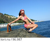 Купить «Девушка у моря», фото № 96987, снято 28 июля 2007 г. (c) Сергей Сухоруков / Фотобанк Лори