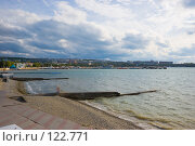 Купить «Геленджик - пляж, бухта и вид на город», фото № 122771, снято 15 октября 2007 г. (c) Иван Сазыкин / Фотобанк Лори