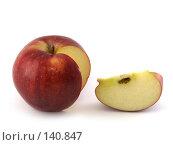 Восхитительное красное яблоко. Стоковое фото, фотограф Каминский Константин / Фотобанк Лори