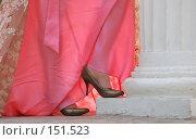 Купить «Туфли и платье», фото № 151523, снято 29 сентября 2007 г. (c) Александр Катайцев / Фотобанк Лори
