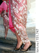 Купить «Модное женское платье», фото № 151747, снято 29 сентября 2007 г. (c) Александр Катайцев / Фотобанк Лори