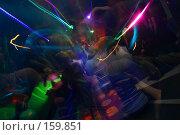 Купить «Ночной клуб - громкая музыка, ритм и вспышки. Движение на танцполе», фото № 159851, снято 4 февраля 2006 г. (c) Harry / Фотобанк Лори