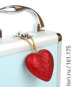 Купить «Стильный подарочный кейс с пурпурным сердечком», фото № 161175, снято 25 июня 2007 г. (c) Александр Паррус / Фотобанк Лори