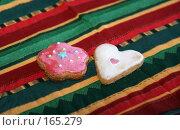 Купить «Фигурное печенье в глазури к Новому году», фото № 165279, снято 20 сентября 2018 г. (c) SummeRain / Фотобанк Лори