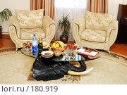 Купить «Стол в ожидании дорогих гостей», фото № 180919, снято 1 июля 2006 г. (c) Федор Королевский / Фотобанк Лори