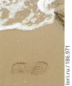 Купить «След на песке», фото № 186971, снято 14 июня 2006 г. (c) Елизавета Калбасова / Фотобанк Лори