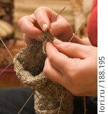 Купить «Женщина вяжет носок», фото № 188195, снято 28 января 2008 г. (c) Александр Лядов / Фотобанк Лори