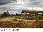 Купить «Сеновал», фото № 190219, снято 29 июня 2007 г. (c) Юлия Севастьянова / Фотобанк Лори