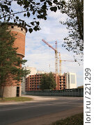 Купить «Строительство жилья», фото № 221299, снято 20 августа 2007 г. (c) Евгений Батраков / Фотобанк Лори