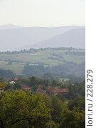 Купить «Холмистый пейзаж. Идеальная заставка», фото № 228279, снято 19 августа 2007 г. (c) Harry / Фотобанк Лори
