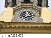 Купить «Санкт-Петербург. Петропавловский собор. Часы на башне», фото № 232675, снято 10 мая 2005 г. (c) Александр Секретарев / Фотобанк Лори