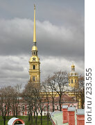 Купить «Санкт-Петербург. Вид на Петропавловский собор с крыши бастиона», фото № 233555, снято 10 мая 2005 г. (c) Александр Секретарев / Фотобанк Лори