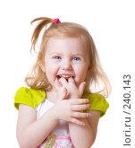 Купить «Маленькая  девочка на белом фоне», фото № 240143, снято 29 марта 2008 г. (c) Майя Крученкова / Фотобанк Лори