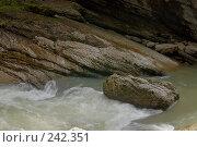 Купить «Республика Адыгея. Гуамское ущелье», фото № 242351, снято 1 мая 2006 г. (c) Виктор Филиппович Погонцев / Фотобанк Лори