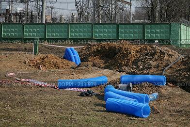 Купить «Куски голубой гофротрубы», фото № 243979, снято 6 апреля 2008 г. (c) Игорь Веснинов / Фотобанк Лори