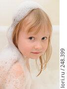 Купить «Девочка в ванной», фото № 248399, снято 6 апреля 2007 г. (c) Екатерина Тимонова / Фотобанк Лори