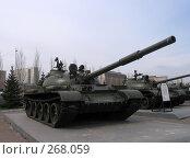 Танк Т-54 на выставке боевой техники в Парке Победы (г. Казань, Татарстан) (2008 год). Редакционное фото, фотограф Елена Киселева / Фотобанк Лори