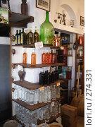 Греция остров Наксос магазин оливкового масла (2007 год). Редакционное фото, фотограф Дмитрий Неумоин / Фотобанк Лори