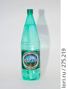 Купить «Пластиковая бутылка нарзана», эксклюзивное фото № 275219, снято 6 мая 2008 г. (c) Александр Щепин / Фотобанк Лори